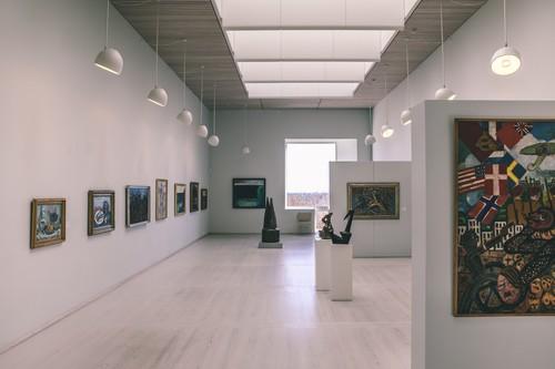 Et smukt kunstmuseum beliggende i smukke omgivelser