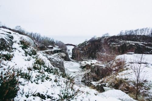 Vangs stenbrud er et besøg værd, når man vil gå en smuk tur. Både vinter og sommer.